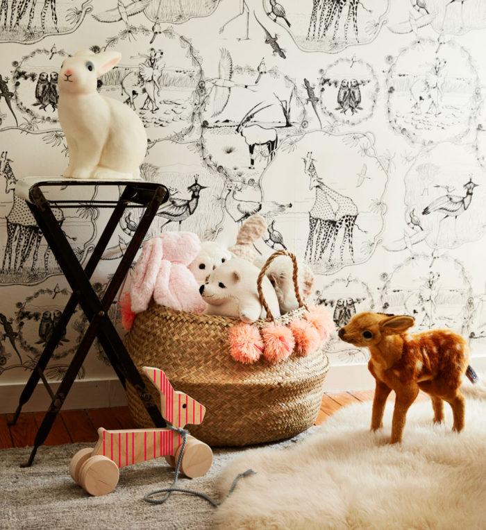 Kuscheltiere im Babyzimmer